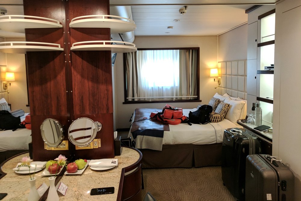 wind-surf-luxury-yacht-windstar-cruises-character-32-c32-french-riviera-travel-rooms