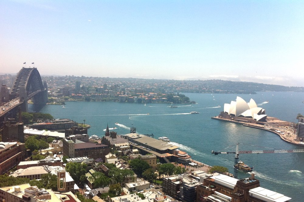 sydney-australia-character-32-c32-travel-harbour-bridge-opera-house-bar-globetrotter