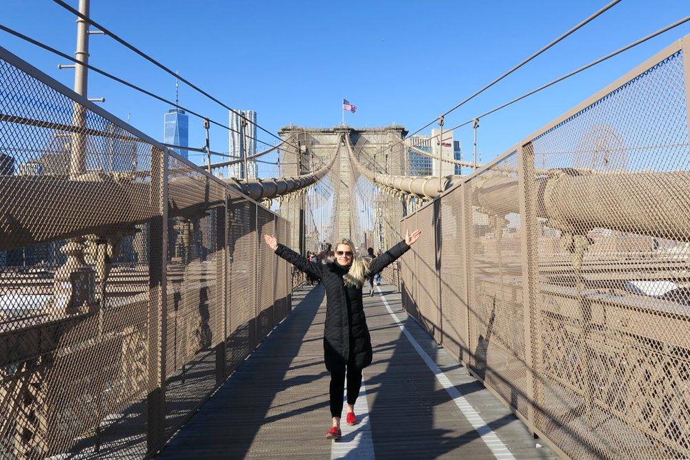 brooklyn-bridge-skyline-character-32-c32-new-york-manhattan-travel