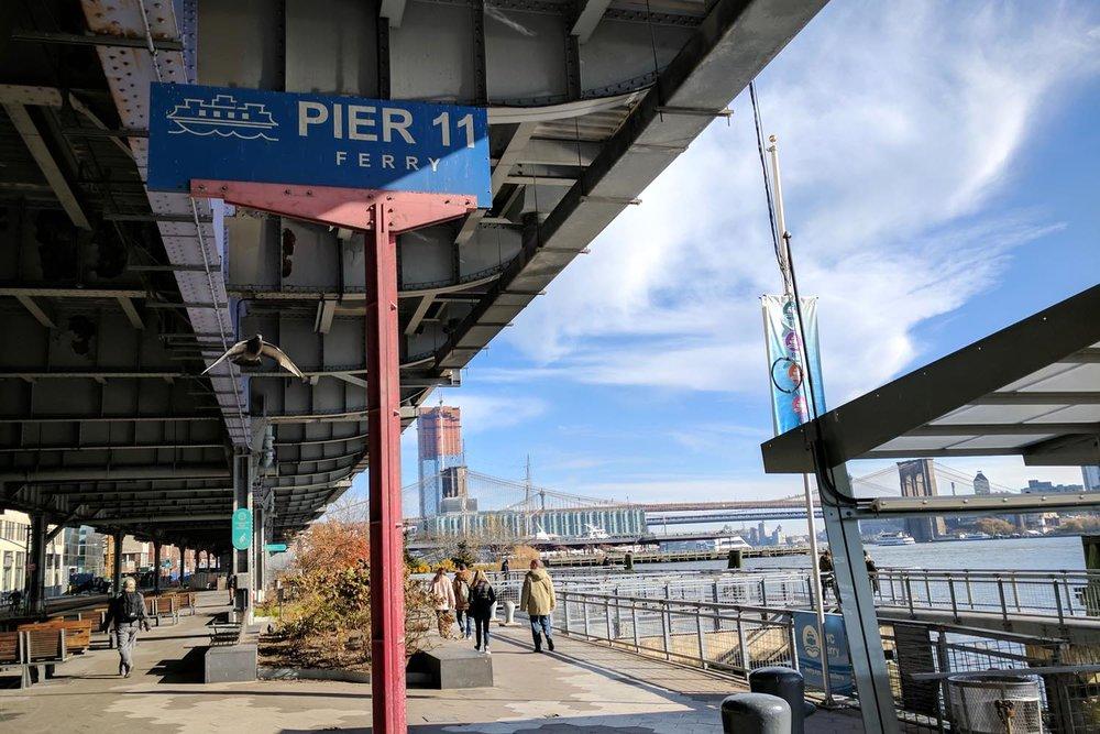 new-york-ferry-character-32-c32-new-york-manhattan-travel