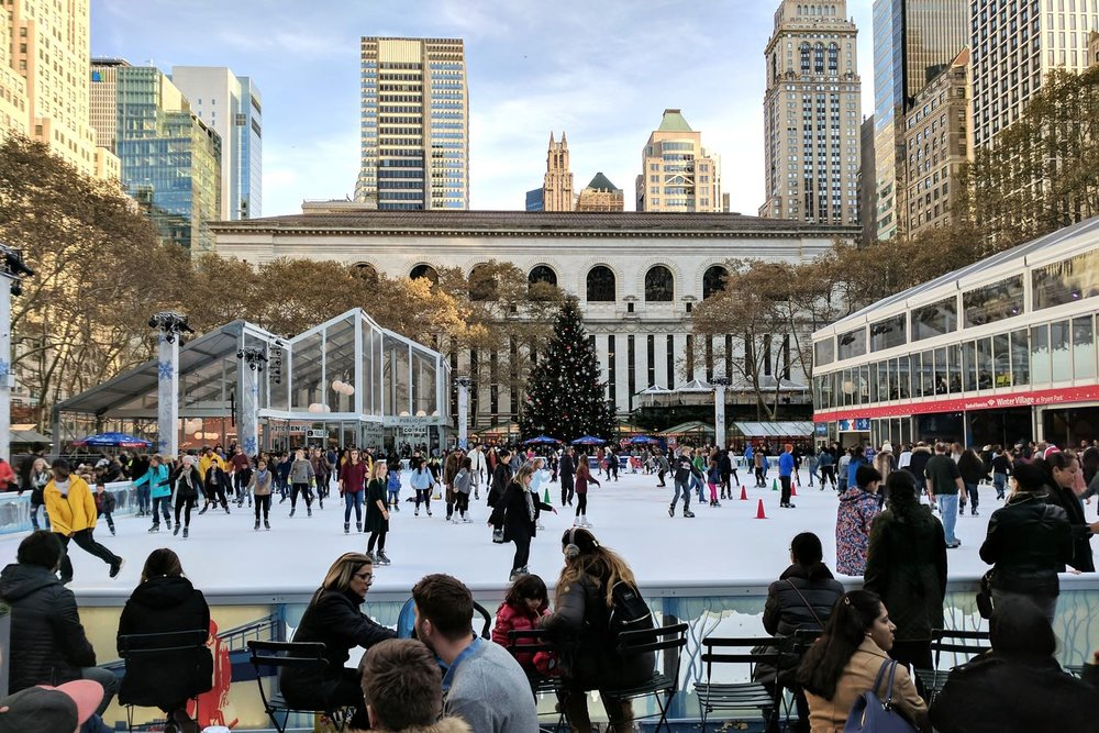 famous-landmarks-tv-shows-movies-nyc-character-32-c32-new-york-manhattan-travel-bryant-park