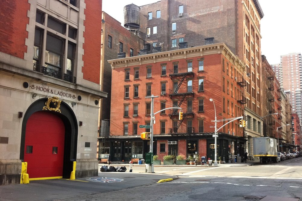 famous-locations-tv-shows-movies-nyc-character-32-c32-new-york-manhattan-travel-8-hook-and-ladder-firehouse-ghostbusters