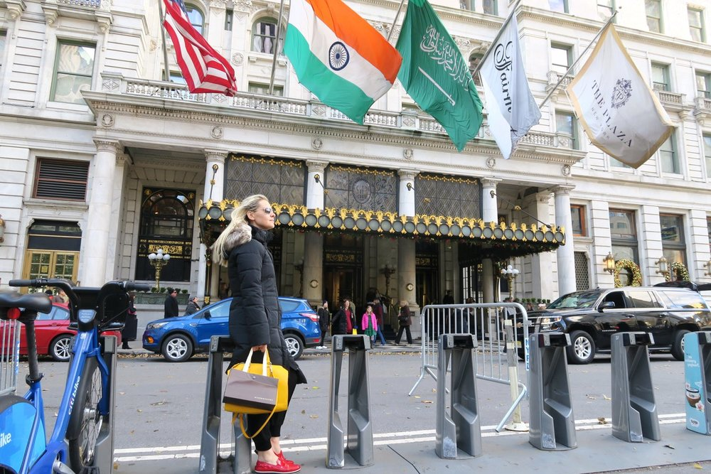 famous-landmarks-tv-shows-movies-nyc-character-32-c32-new-york-manhattan-travel-plaza-hotel