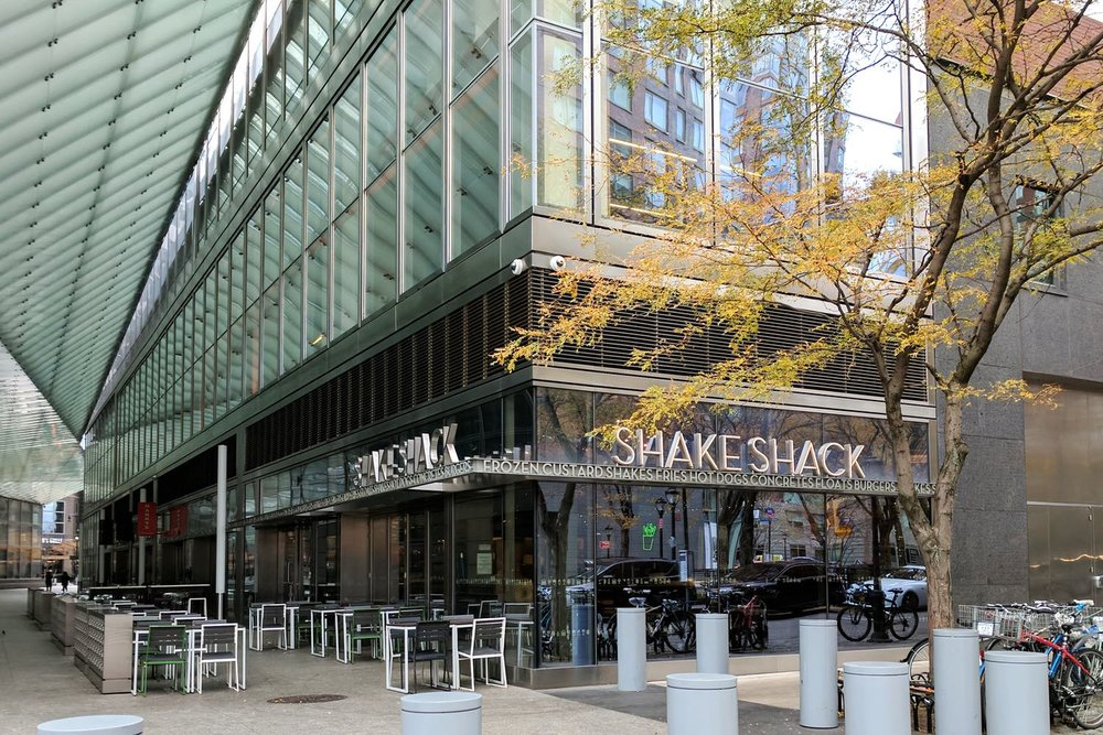 fast-food-nyc-character-32-c32-new-york-manhattan-travel-shake-shack