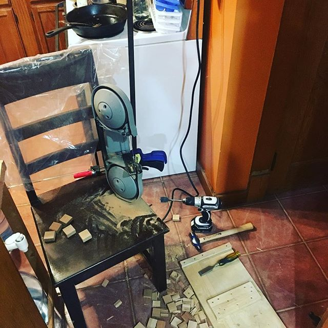 Mobile lil' bandsaw in the kitchen, just when you just have no other better solutions or rig-ups, and just need a little bandsaw in the kitchen. #gypsycraftsman #portabansaw