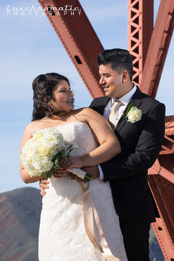 Michelle_Rudi-1487_luxchromatic-san-francisco-bay-area-california-wedding-photography-bride-groom-style-me-pretty-green-wedding-shoes-inspiration-engaged-marriage-bridesmaids-gown-dress-the-knot-golden-gate-bridge-portrero-hill-skyline.jpg