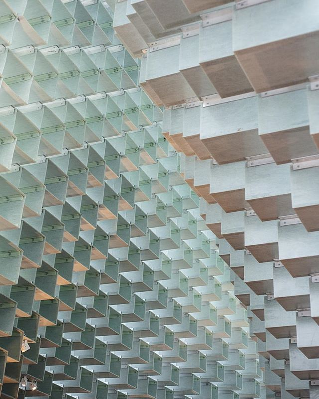 "Inside Bjarke Ingels' Serpentine Gallery Pavilion - ""a wall of translucent blocks that has been ""unzipped"" to create a curving, cavernous interior""  #art #sculpture #architecture #cubes #HydePark #London #IGLondon"