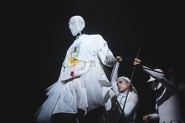 Incredible to watch the puppeteers at work for Aitor Throup SS17  #fashion #LCM #LondonCollectionMens #London #eventprofs #events #eventphotography #IGLondon #eventproduction #6up #fashionshow