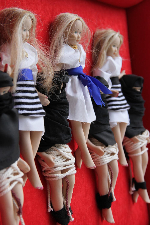 7 girls accusin the world (2).jpg
