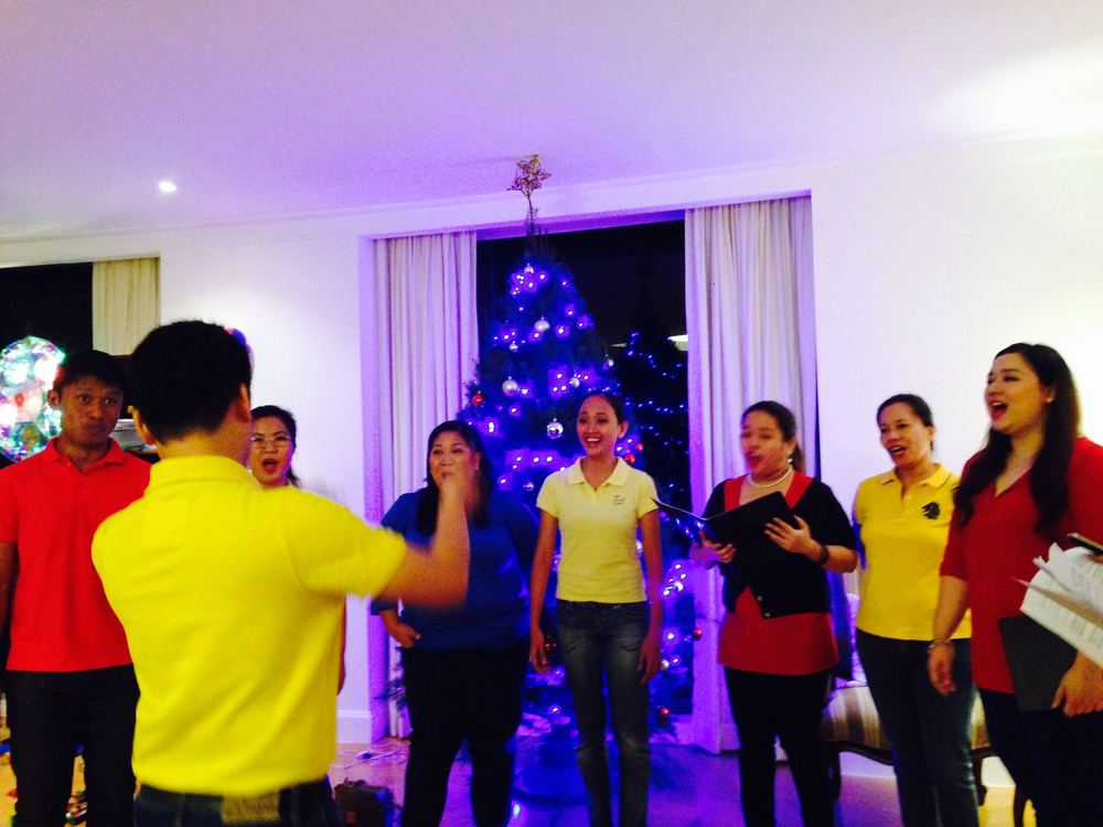 Christmas caroling by the Manila Chamber singers