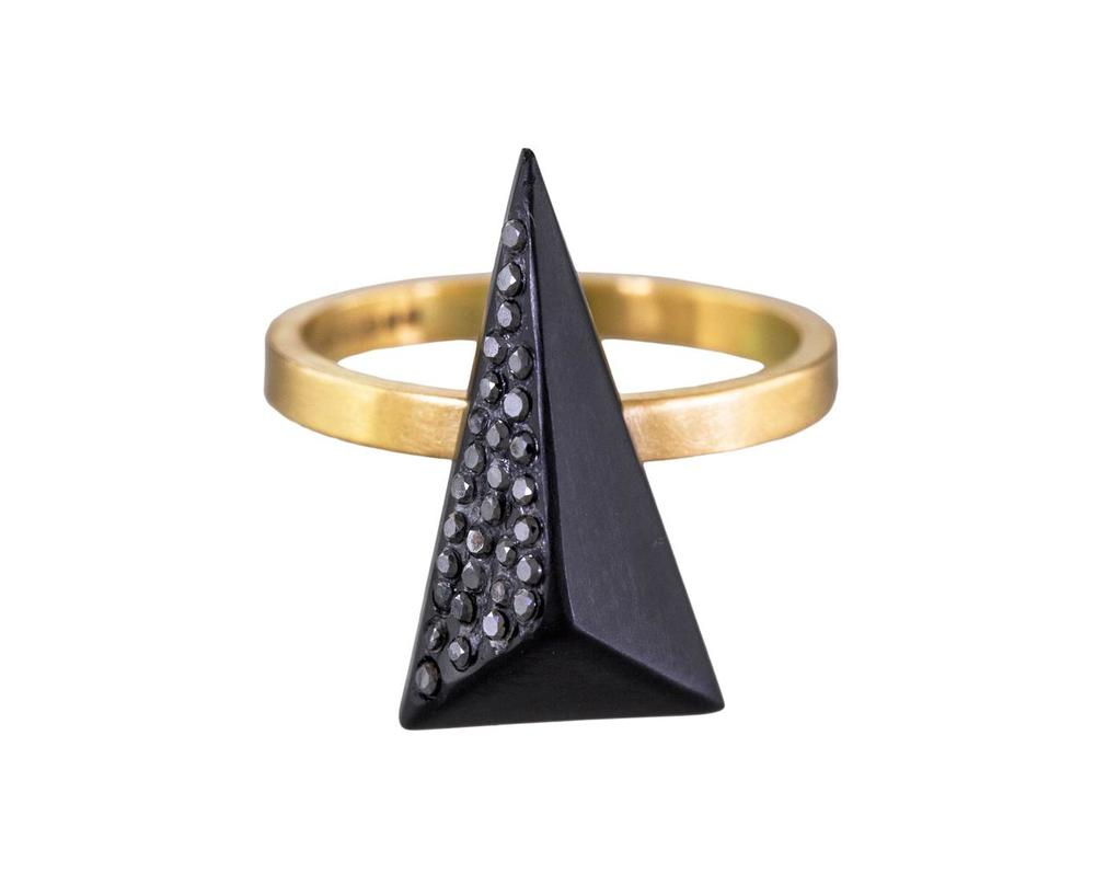 cul-rbbf.1_jacqueline_cullen_whitby_jet_black_diamond_panel_ring.zoom.jpg