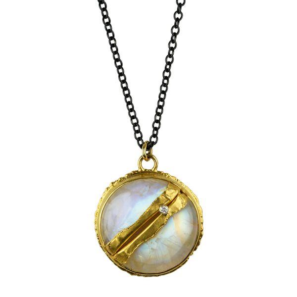 Jamie-Joseph-Golden-Joinery-Peridot-Necklace-2.jpeg