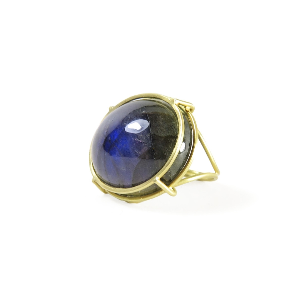 August-jewelry-rosanne-pugliese-ring-large-horizontal-oval-labradorite-side.jpg