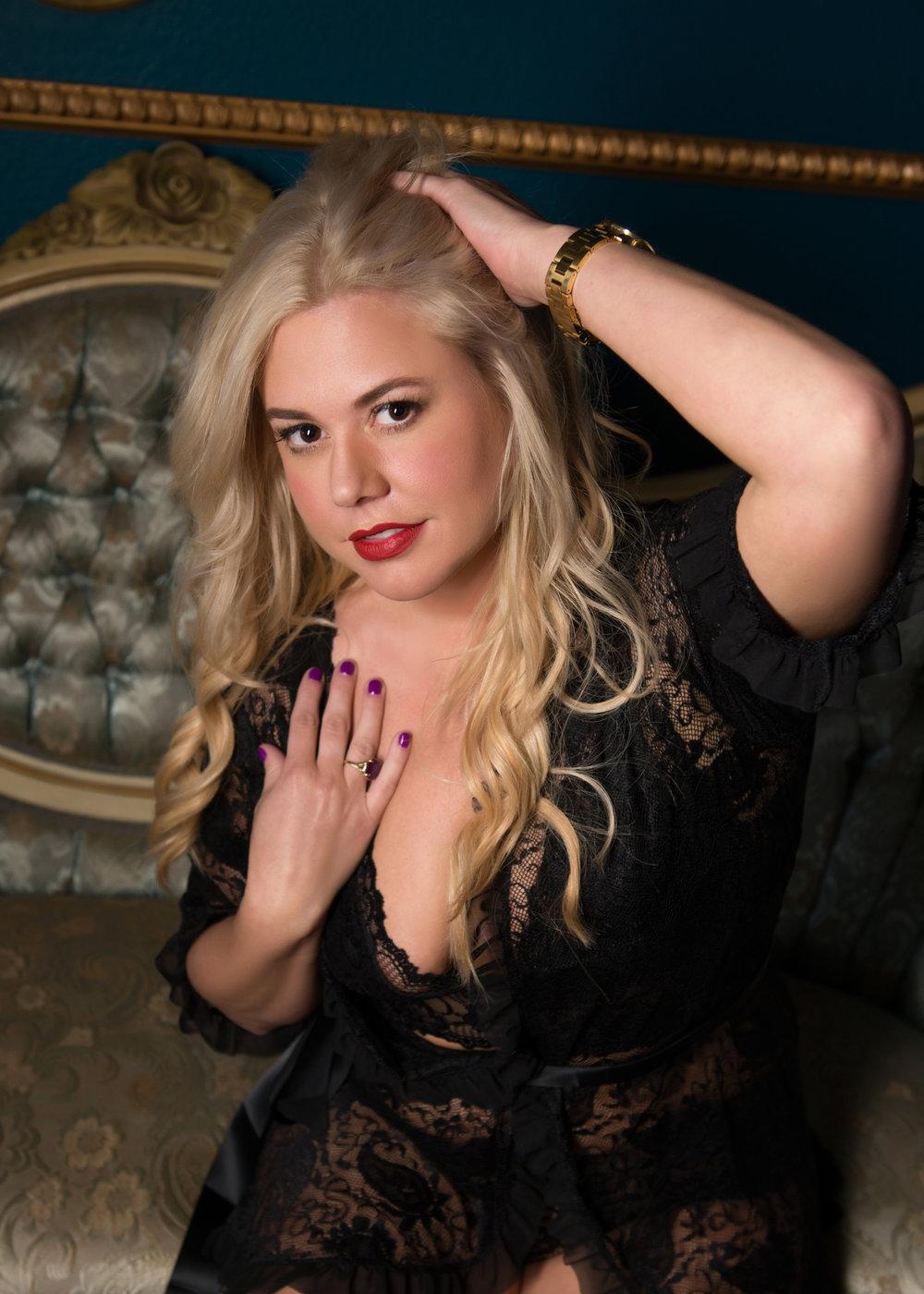 Alexis - black lace