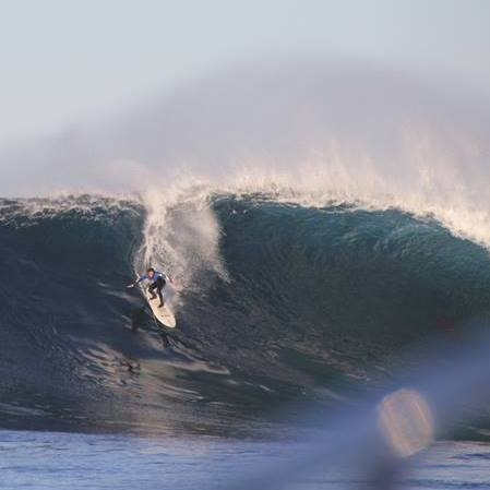 Vicente charging on a Todo Santos bomb.