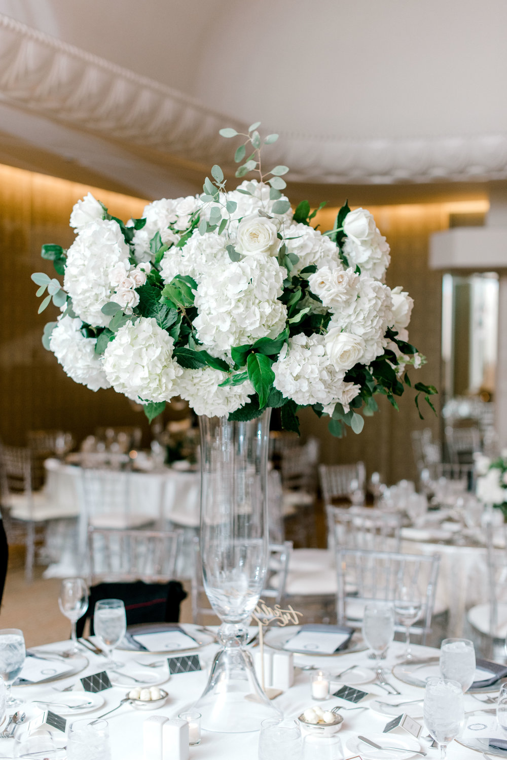 floral centerpiece houston wedding four seasons hotel.jpg