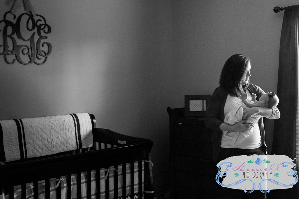 Cleveland TN Newborn Lifestyle Mom Holding Baby