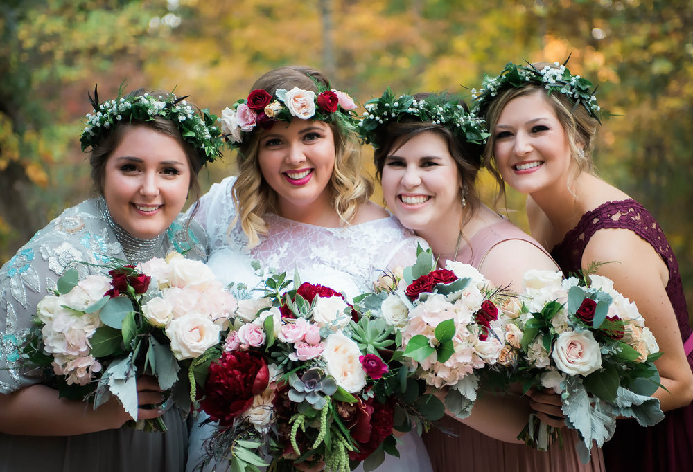 wedding party at coffey barn in cleveland tn