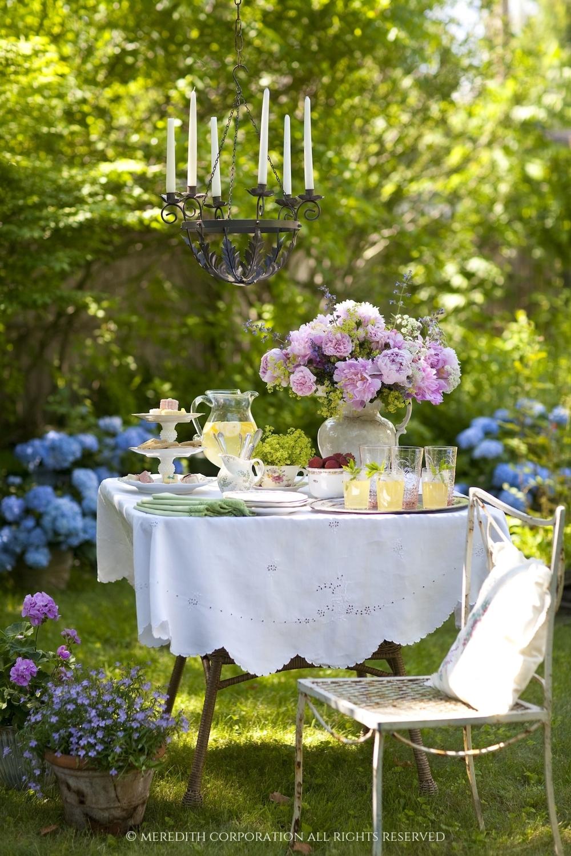 W_Romantic_GardenTable_SMALL.jpg