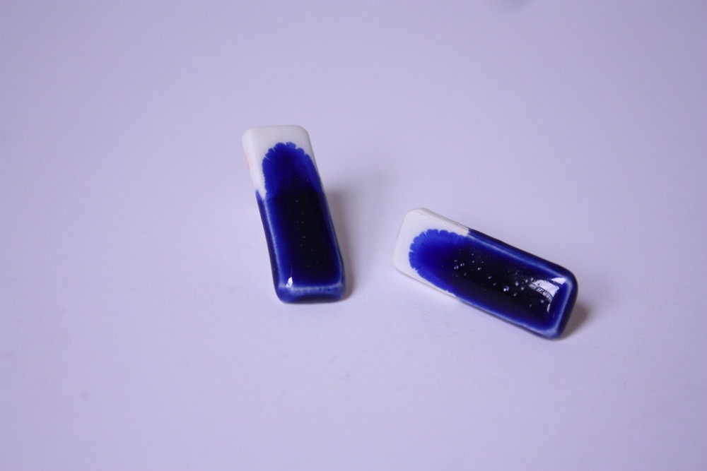 Pendientes rectángulo azul y blanco