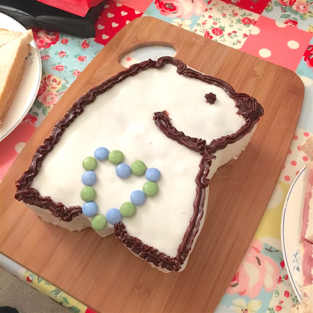 bearhugs birthday cake