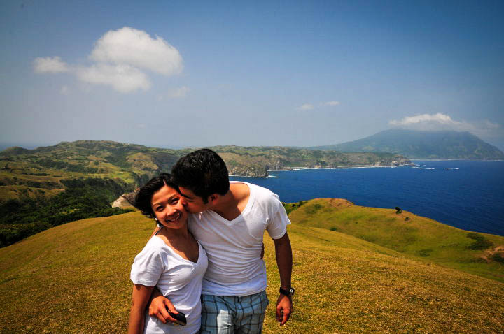 Kiss your loved one on an awesome view