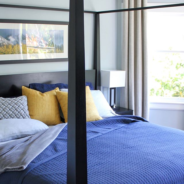 Refreshed after the holidays + the sunshine is back today = a good start to Tuesday. Reminds me of the sunshine-filled morning on this east facing master bedroom. Swap right to see the 3D design.  #3Ddesign #3Drenders #Sketchupfirst #interiordesign #interiorinspo #tetrachromedesign #bedroom #wintersunshine