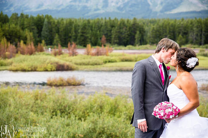 Wedding_couple_in_Montana copy.jpg