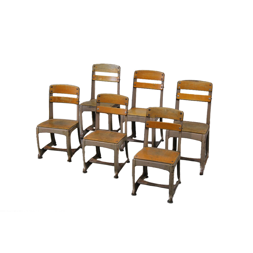 small child chair. 1930 Schoolhouse Small Child Chair L