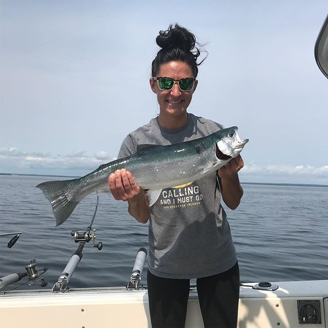 #steelhead a lot of fun and beautiful colors! . . #fishing #repyourwater #tightlines #thetugisthedrug #girlswhofish #girlsthatfish #fishinggirl #greatlakes #costa #shimano #shimanoreels #upperpeninsula #puremichigan #greatlakes #lakehuron