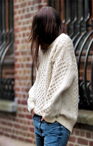 Bloglovin+Blog+Cream+Slouchy+Oversized+Aran+Cable+Knit+Fisherman+Sweater+Jeans+Fall+Winter+Style+Via+Irina+Lakicevic+A+Portable+Package.jpeg