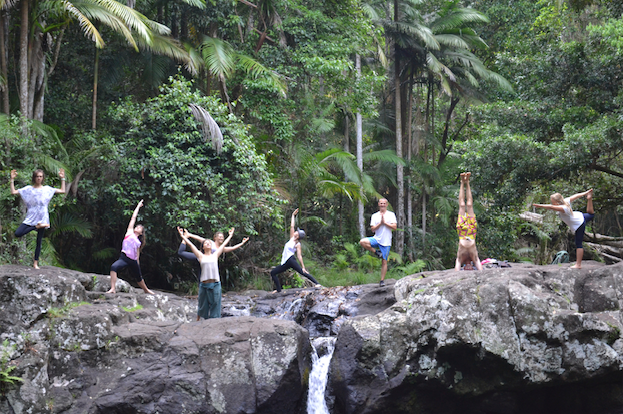 Yoga_teacher_trainees_gold_coast_akhanda_yoga_Retreat_yoga _pose_banner.png