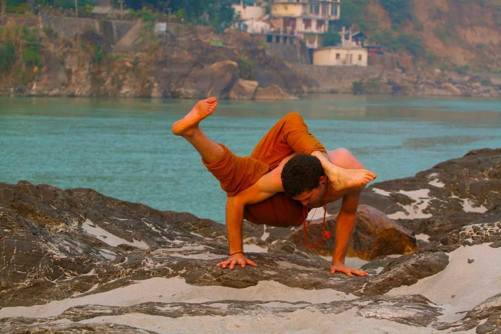 india_crazy_yoga_pose_Nick_bradley_banner.jpg
