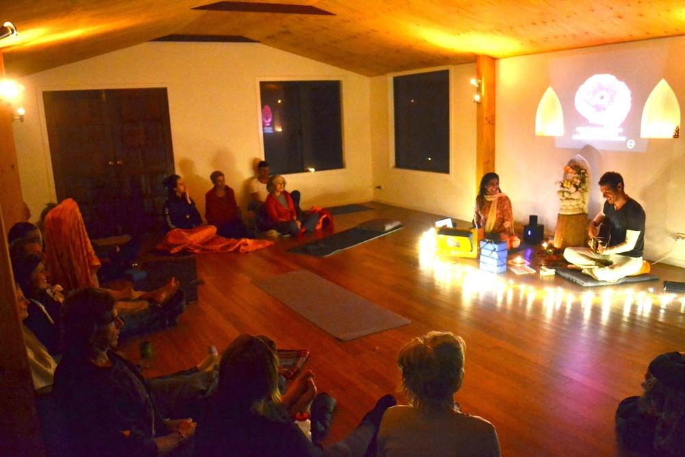 Kirtan_Yoga_teacher_training_akhanda_Yoga_australia_gold_coast.jpg.JPG
