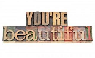 d5131-13378891-eres-hermosa-las-palabras-de-afirmacion-frase-aislada-en-el-tipo-de-cosecha-de-madera-de-tipografi.jpg