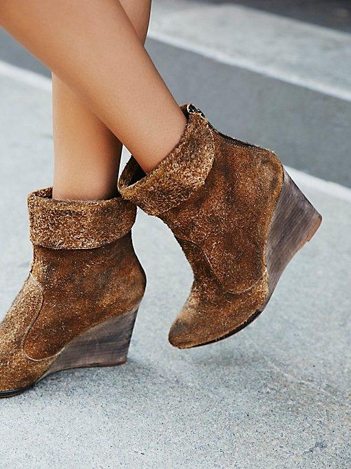 fp boots.jpeg