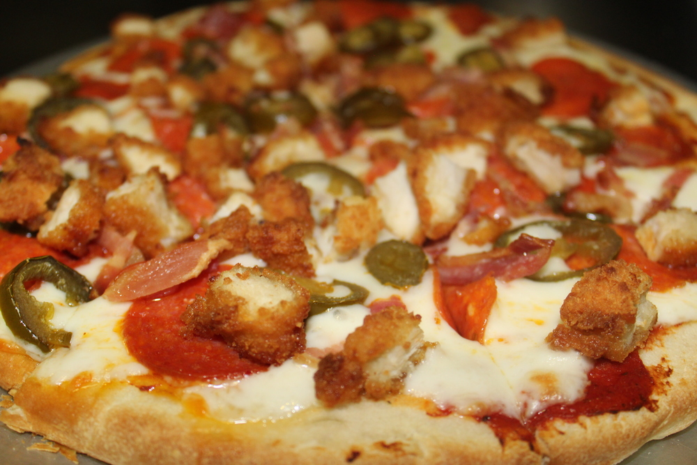 Bar B Q Chicken & Pepperroni Pizza with Jalapeño Peppers