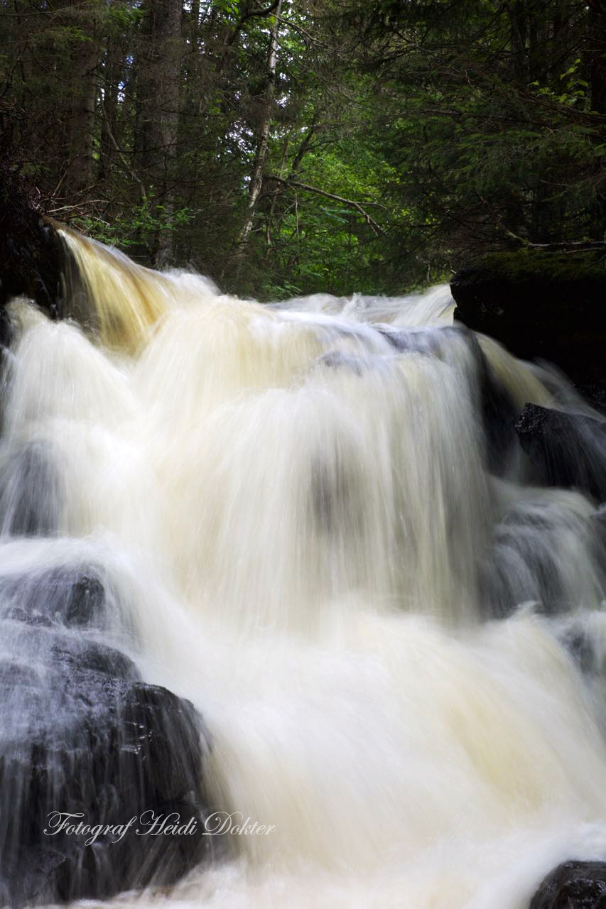 waterfall_long.jpg