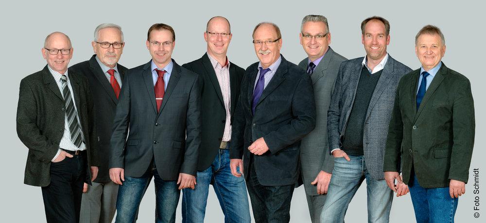 Vorstand der Kraftfahrzeug-Innung Oldenburg: v.l.n.r.: Ralf Bartzsch, Max Scholz, Ralf Rüdebusch, Daniel Wolf, Dieter Meyer, Dirk Wellmann, Arnim Penning, Jan Harms