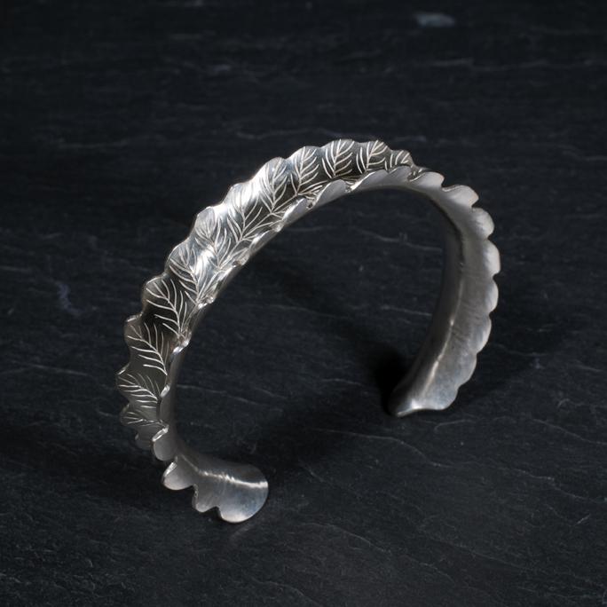 bracelet-1.jpg
