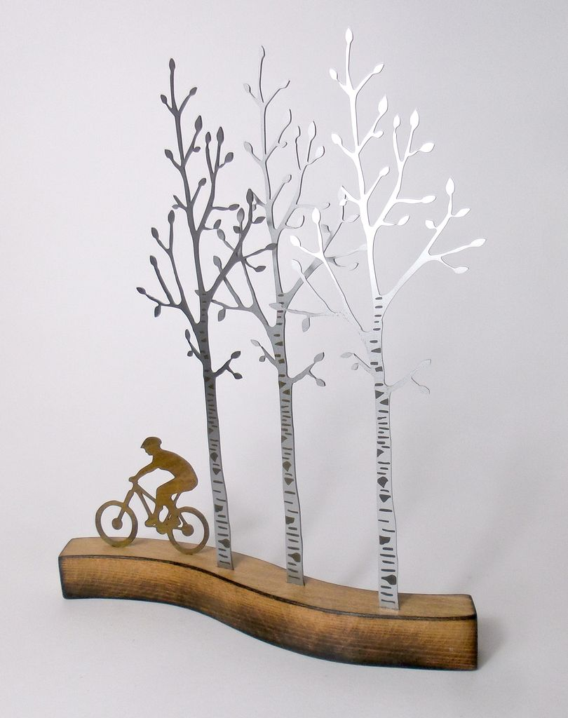 Birchwood Trail 26 x 30 x 7cm £140.00