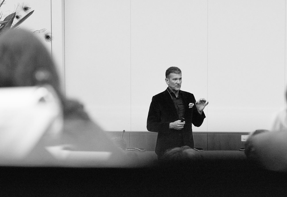 christian_kurmann_speaking (3 of 6).jpg