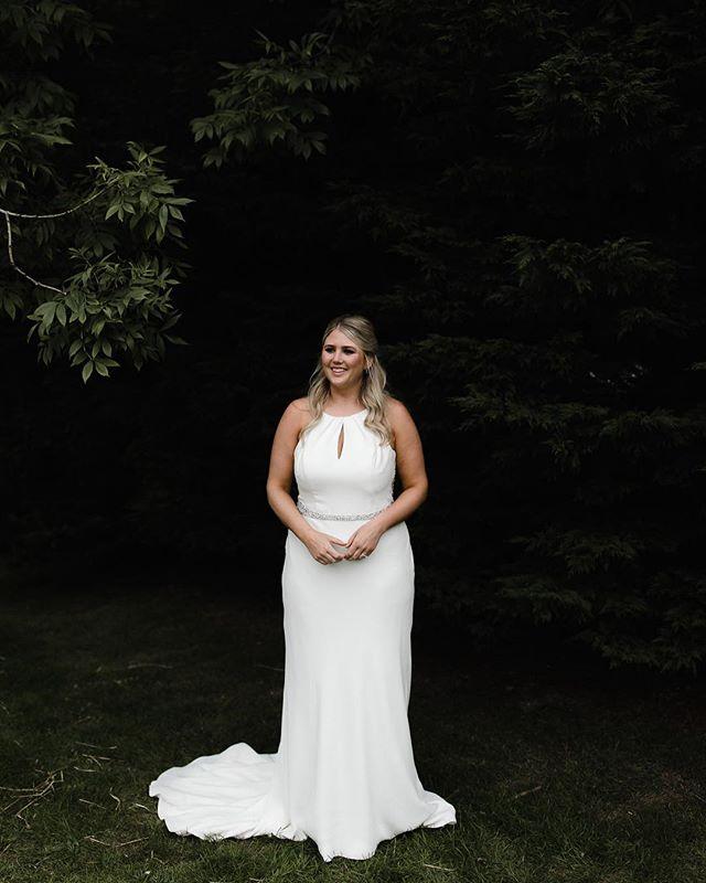 Literally just had my hair cut short then I finish up this wedding and now I wonder how short is too short for extensions because DAMN DANIEL. @danwillphoto @hannahtellam @thefoxsrevenge #dannahwed . . . . . . . . . #makeportraits #livefolk #exploretocreate #lookslikefilm #weregettingmarried #photobugcommunity #ifyouleave #chasinglight #cornishwedding #livethelittlethings #adventure #thatsdarling #WHPthisislove #loveintentionally #wanderfolk #creativityfound #finditliveit #cornwall #postthepeople #instagoodmyphoto #ftwotw #indiebride #quietthechaos #risingtidesociety #couplegoals #huffpostido #featuremeofh #elopementphotographer