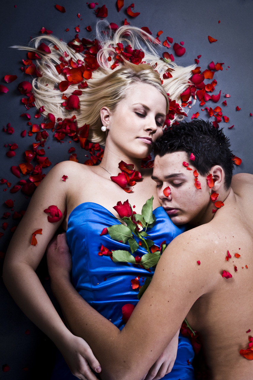 Closing Up to Xmas this is from Portrait job i did with the happy couple Sandra Strømme and Robert Sture #ROSES#