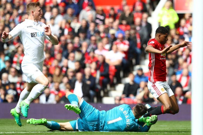 Manchester-United-v-Swansea-City-Premier-League.jpg