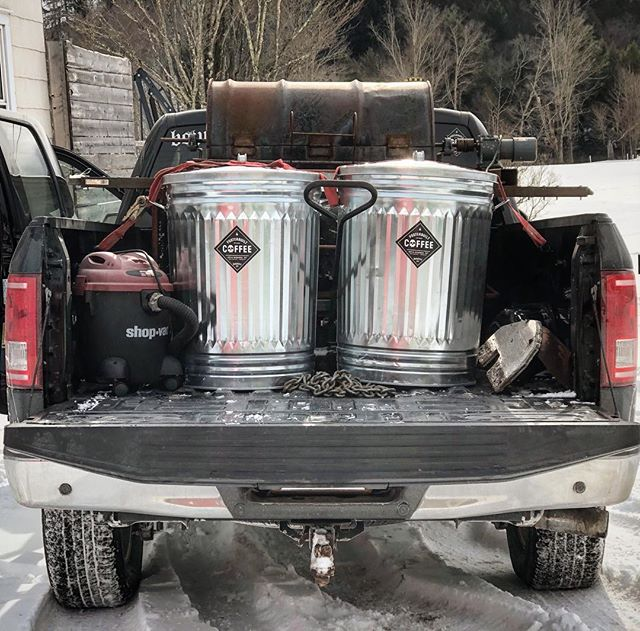Self-contained and fully mobile coffee roasting. . . #coffee #coffeeroaster #4x4 #overland #espresso #fosterbuiltcoffee #diy