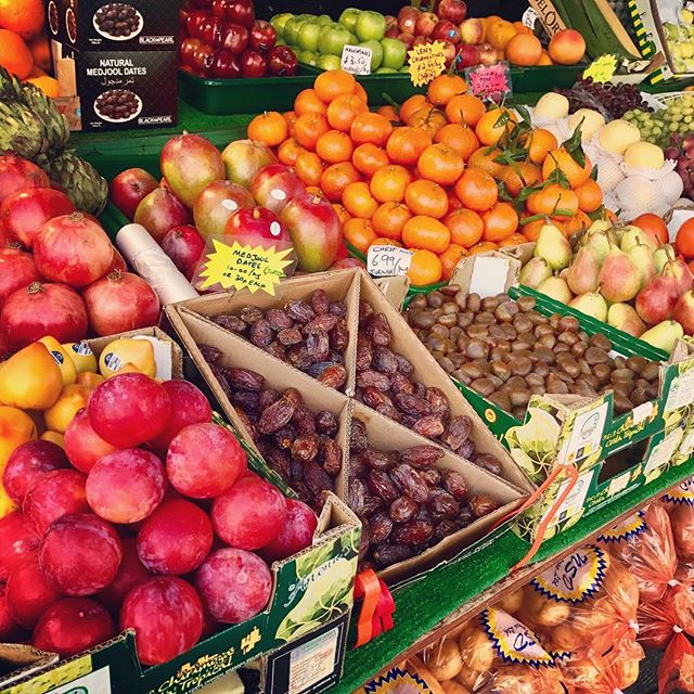 When the commute to H&D HQ means passing this bounty every morning 😍🍊🍎🥔🍋🍏🍐🍇 RG @shepherdsbushmarket #fruit #veg #freshfruit #freshvegetables #veggies #food #instafood #foodstagram #colourful #market #foodmarket #londoneats #londonfood #londonfoodie #foodie #epicurious #healthy #shepherdsbush #london #westlondon