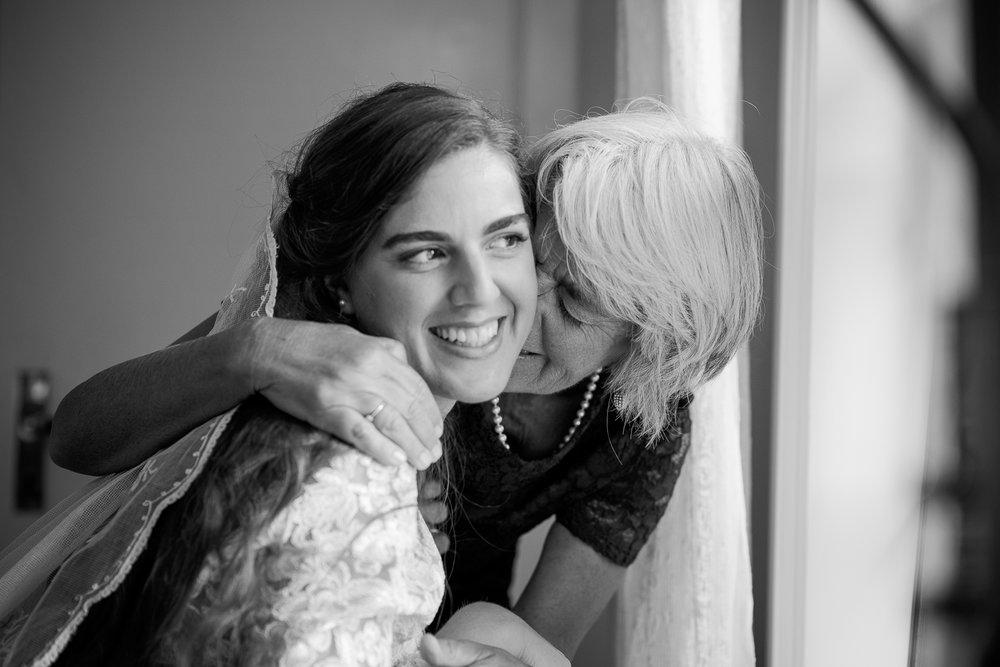 Bohemiskt lantligt bröllop i gammal byskola-6.jpg