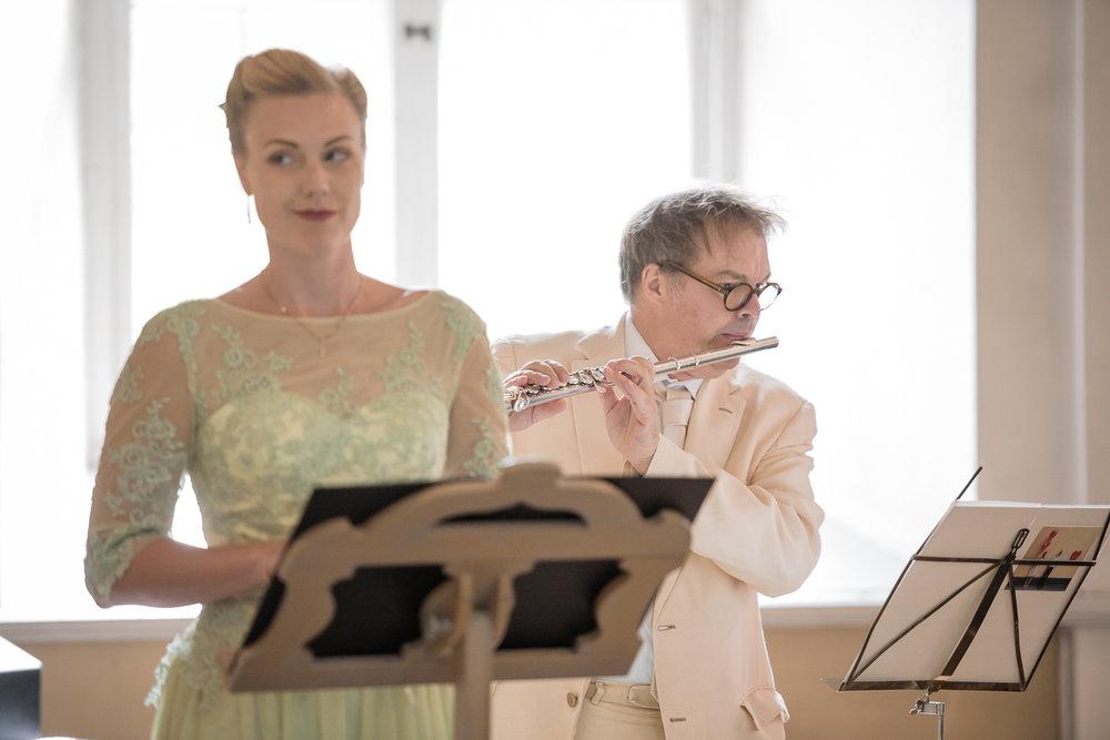 Bohemiskt lantligt bröllop i gammal byskola-44.jpg
