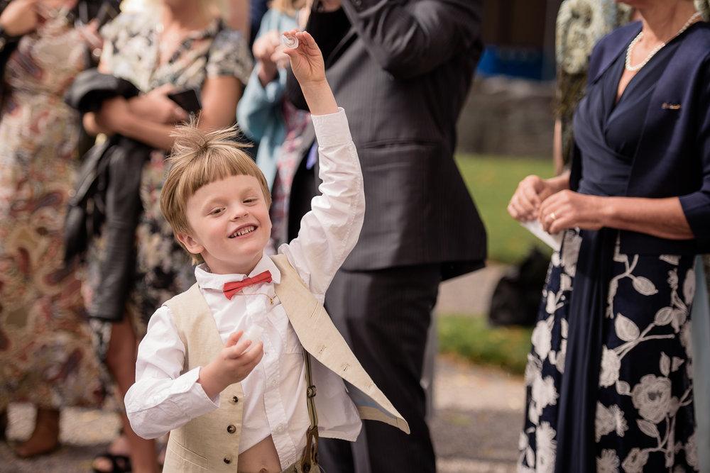 Bohemiskt lantligt bröllop i gammal byskola-58.jpg